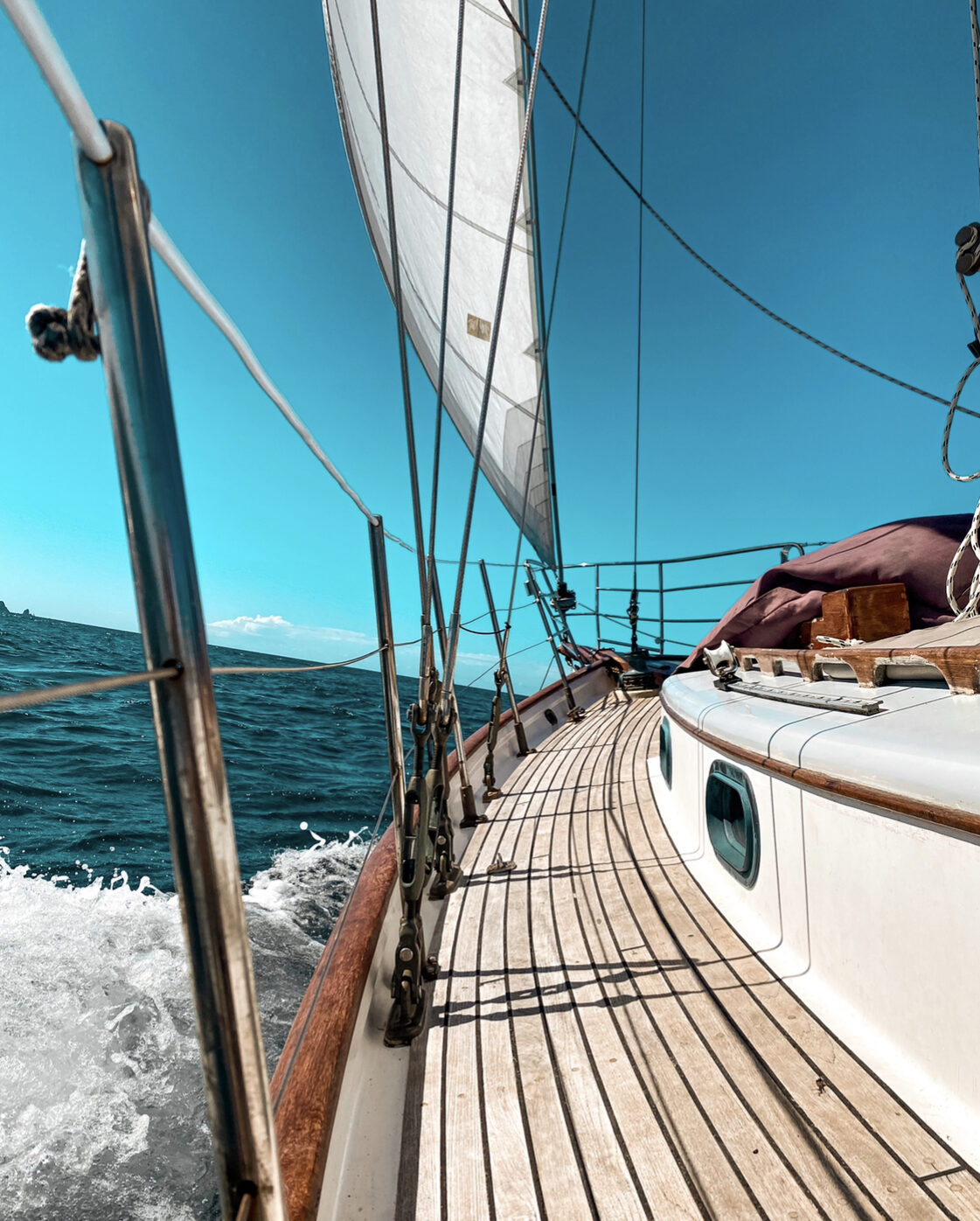 Yacht Hire Bay of Islands